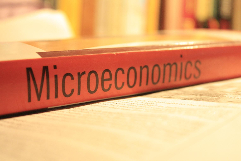 Why Study Economics - UIC Department of Economics